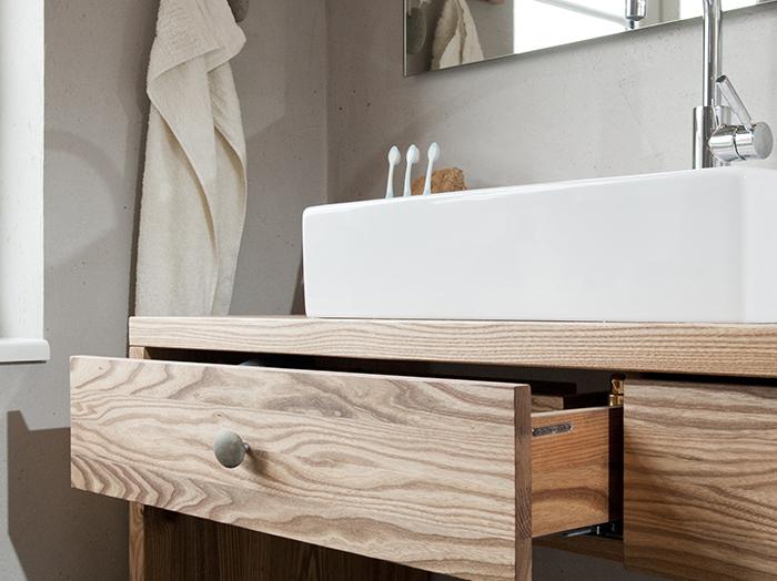 wohnen-bad-massivholz-waschtisch