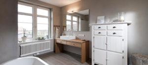 wohnen-bad-skandinavisch-massivholz-waschtisch-300x132